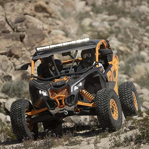 Maverick-X-rc-Riding-Front-View-3-1-be2.jpg
