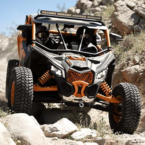 Maverick-X-rc-Riding-Front-View-Rocky-Trail-11-176.jpg